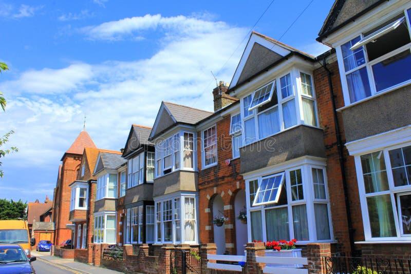 传统英国露台的房子 免版税库存照片