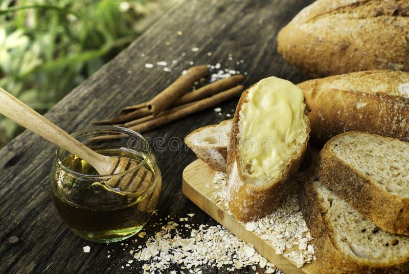 传统被烘烤的面包新近地 库存图片