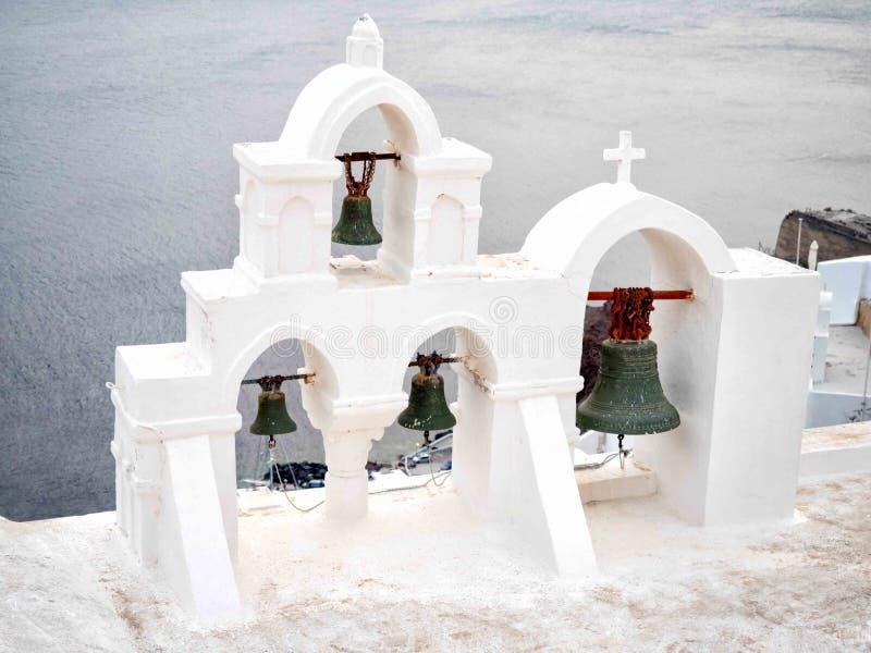 传统钟楼在圣托里尼 免版税图库摄影