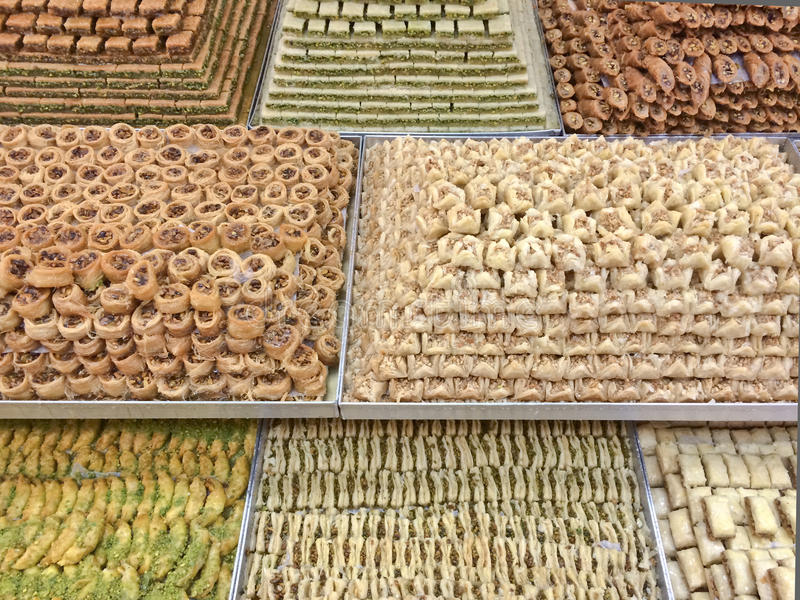 传统阿拉伯甜点 免版税库存图片