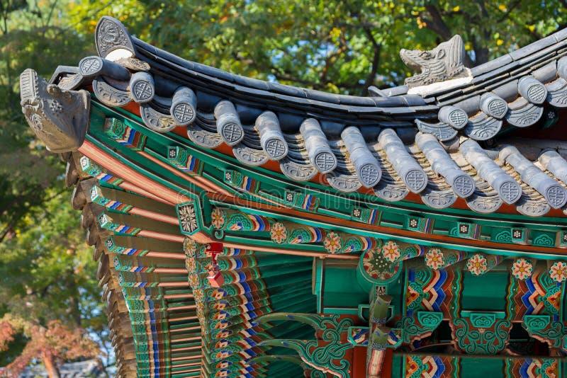 传统韩国屋顶的片段 库存照片