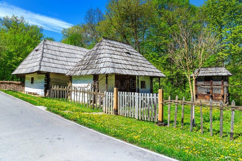 传统Transylvanian房子,阿斯特拉民族志学村庄博物馆,锡比乌,罗马尼亚,欧洲 图库摄影