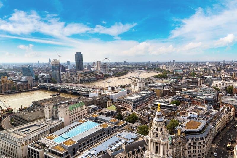 伦敦全景鸟瞰图  免版税库存图片