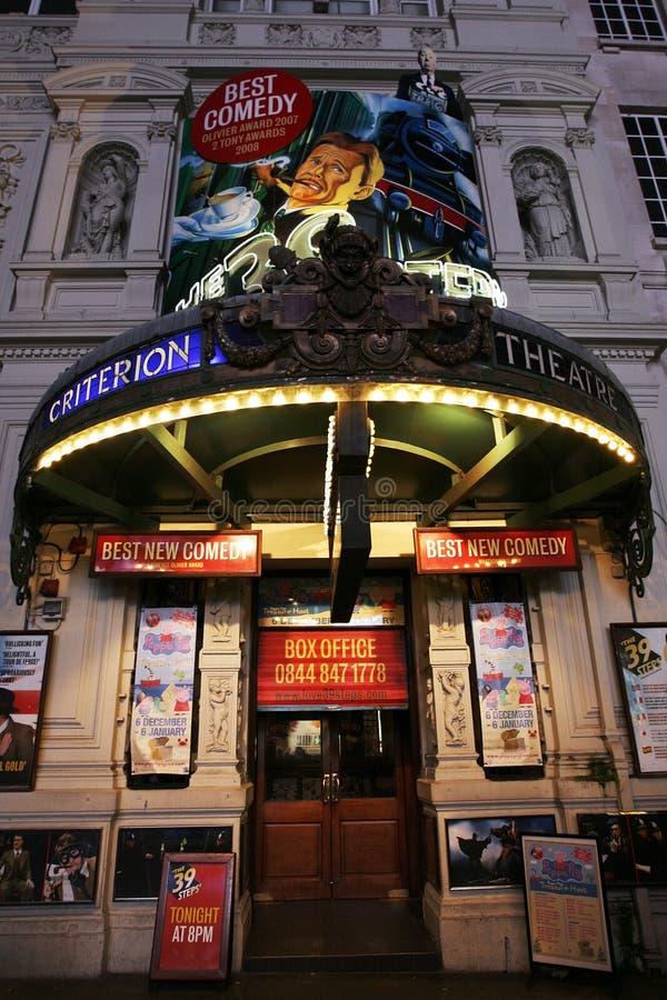 Download 伦敦剧院,标准剧院 编辑类库存图片. 图片 包括有 的treadled, 剧院, 休闲, 音乐, 显示, 晚上 - 30338519