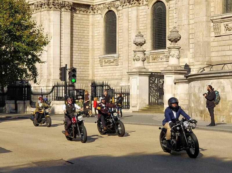 伦敦区别了Gentleman& x27; s乘驾 免版税图库摄影