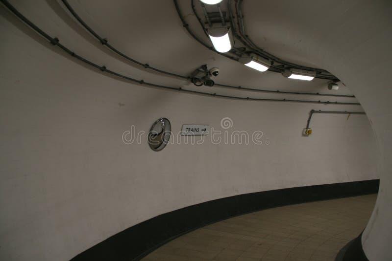 伦敦地铁的走廊 免版税库存图片