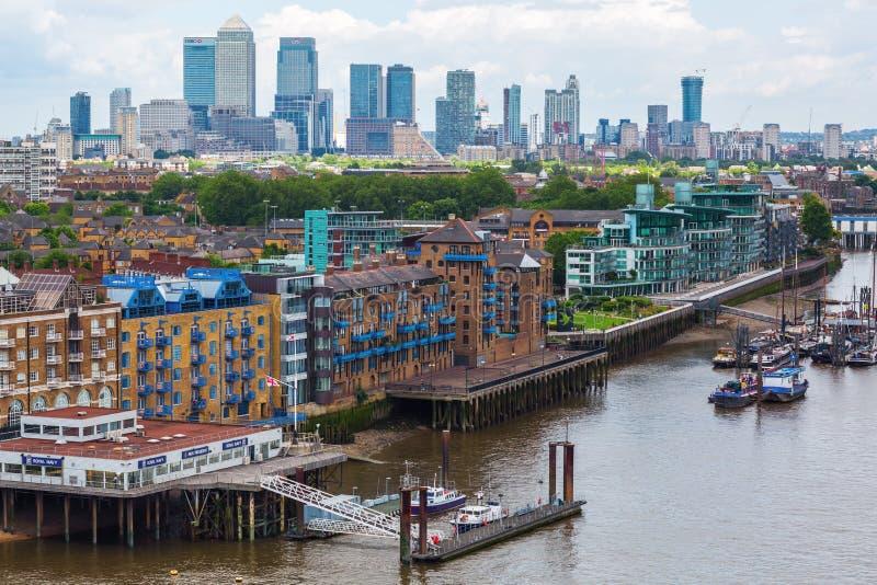 伦敦城市视图在泰晤士河的在伦敦,英国 免版税图库摄影