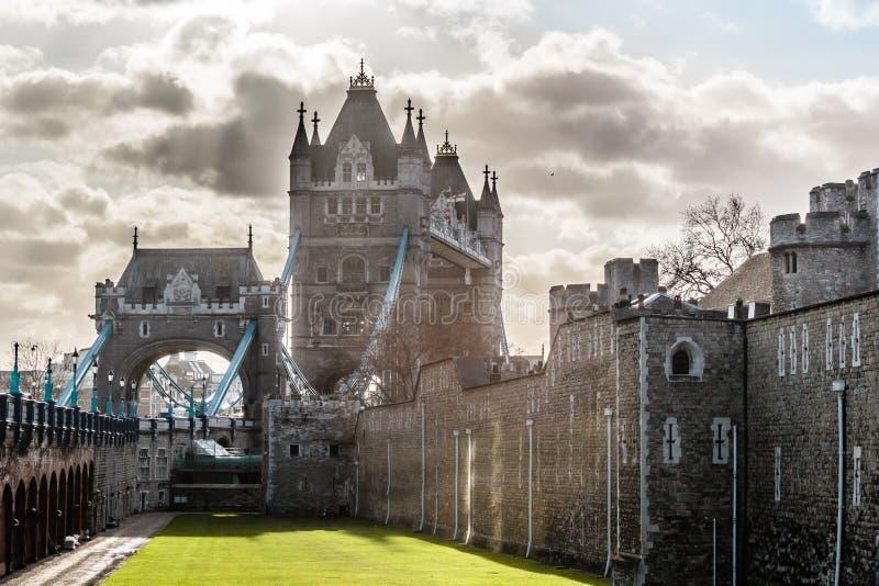 伦敦塔桥梁,晴朗的天气,英国 库存照片