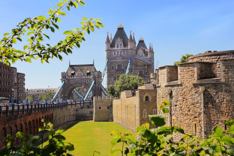 从伦敦塔的塔桥梁,英国 免版税图库摄影