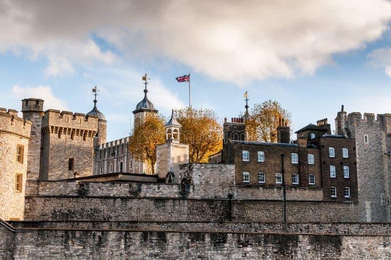 """伦敦塔, London's城堡†""""一所安全堡垒、王宫和臭名昭著的监狱 免版税库存图片"""