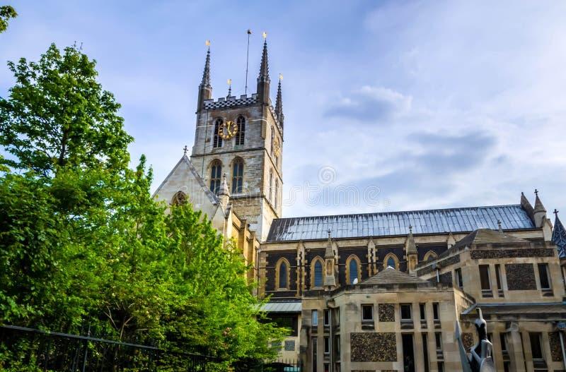 伦敦市/英国:在萨瑟克座堂的看法在伦敦 免版税库存图片