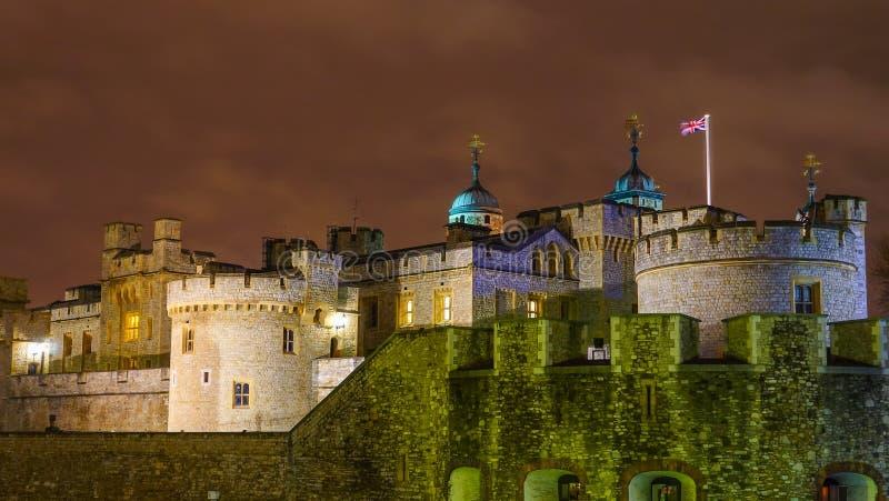 Download 伦敦晚上塔 库存图片. 图片 包括有 著名, 拱道, 英国, 设计, 水平, 伦敦, 云彩, 英语, 设防 - 72370487