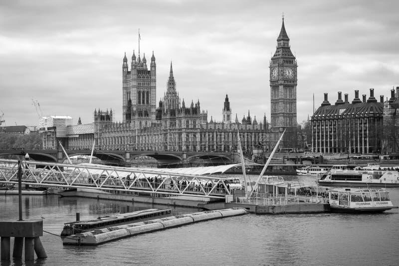 伦敦河题材&大本钟 免版税库存照片