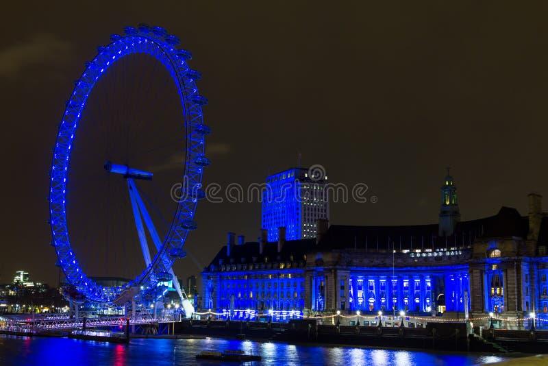 伦敦眼睛在晚上,英国 库存图片