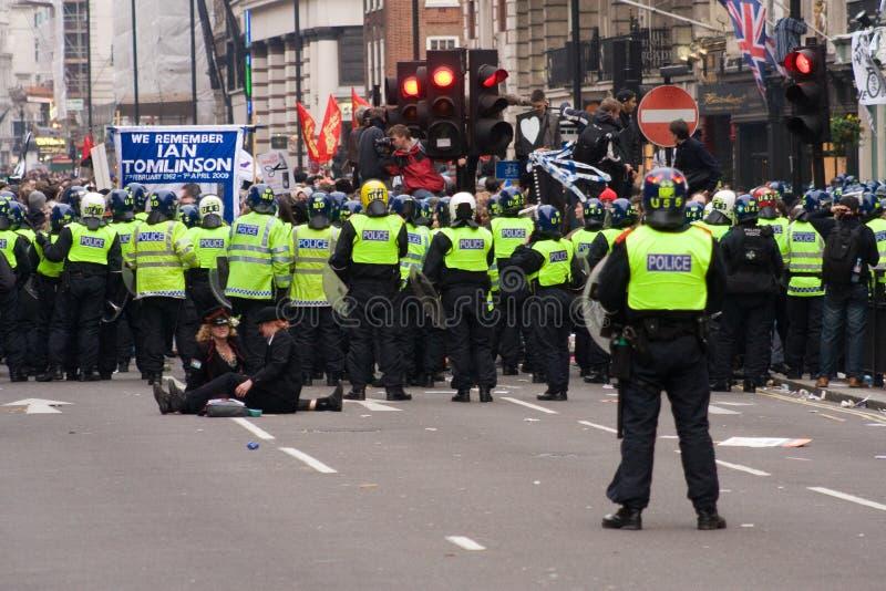 伦敦警察暴乱街道 免版税库存图片