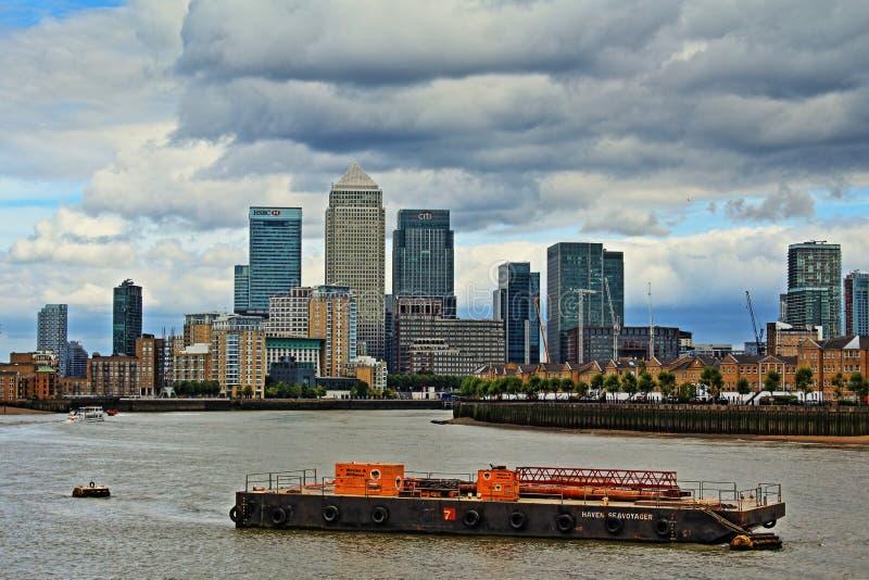 伦敦风雨如磐的天空英国 图库摄影