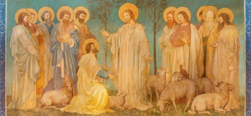 伦敦,大英国- 2017年9月19日:场面壁画'Feed我的sheep' -耶稣给圣皮特圣徒・彼得与权力 免版税库存图片