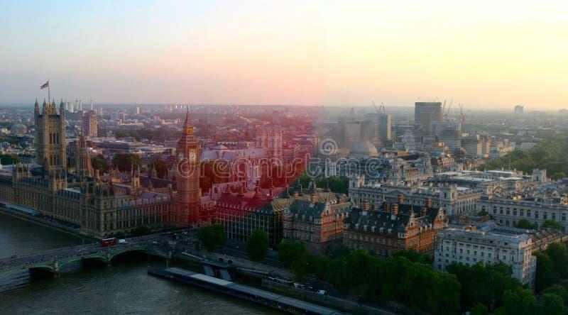 伦敦,日落的英国地平线视图  库存照片