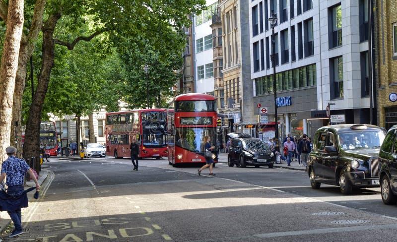 伦敦,英国,2018年6月 城市的出现在莱斯特广场地铁车站附近的 免版税图库摄影