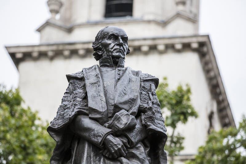 伦敦,英国,2019年7月17日,前总理威廉・尤尔特・格莱斯顿雕象  库存图片