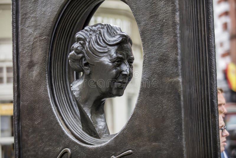 伦敦,英国,2019年7月17日,阿加莎・克里斯蒂雕象在苏豪区伦敦 免版税库存图片