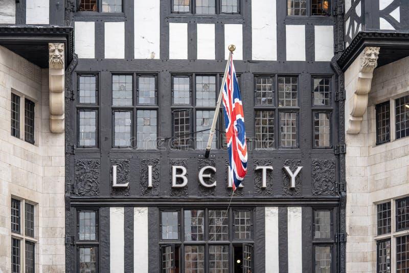 伦敦,英国,2019年7月14日 自由,一般叫作自由的,是伟大的马尔伯勒街的一百货店,在西方 库存照片