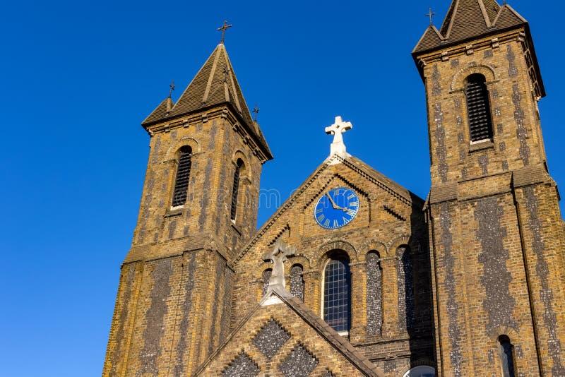 伦敦,英国– 2018年10月21日:圣约翰福音传教士耙路肯瑟尔绿色的伦敦-英国,英国一个新诺曼底教会 库存照片