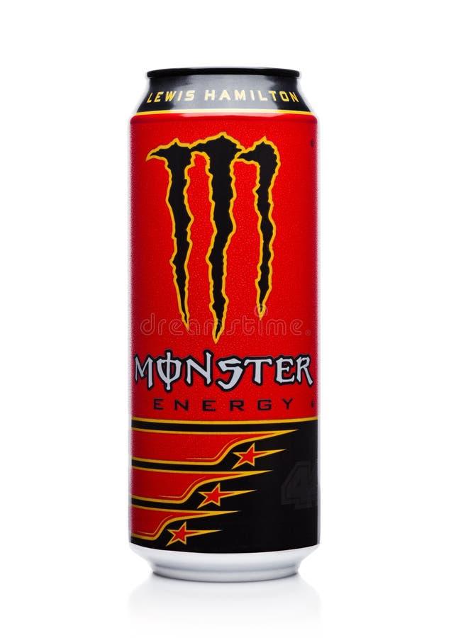 伦敦,英国- 2017年12月15日:A罐头妖怪能量饮料在白色的刘易斯・咸美顿编辑 介绍2002年妖怪现在有 库存图片