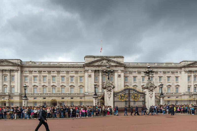 伦敦,英国- 2016年6月17日:白金汉宫伦敦,大英国 库存照片