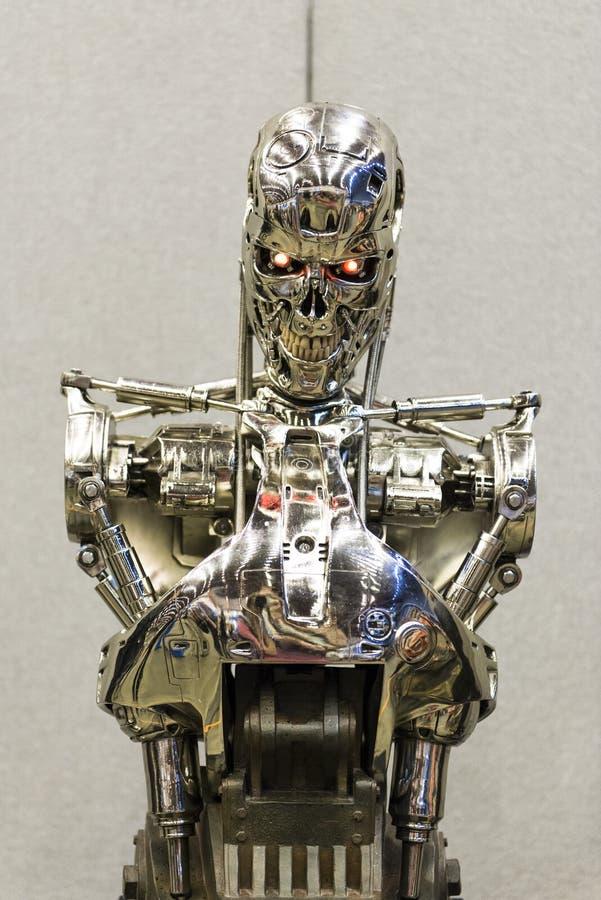 伦敦,英国- 7月06日:终止者2在Th的凶手机器人复制品  免版税库存图片
