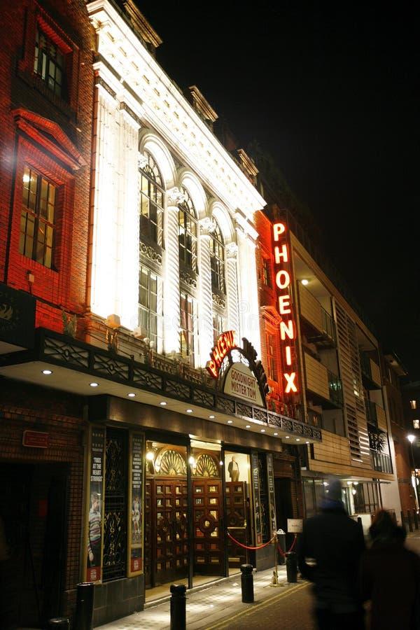 Download 伦敦剧院,菲尼斯剧院 编辑类照片. 图片 包括有 剧院, 资本, 欧洲, 伦敦, 显示, 英国, 晚上, 城市 - 30338826