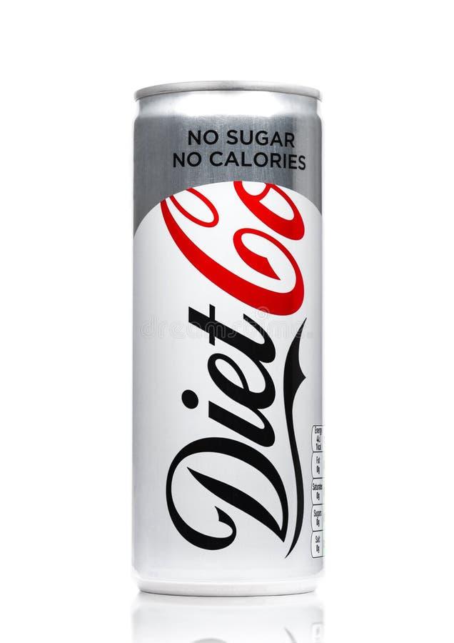 伦敦,英国- 2017年6月9日:Diet焦炭软饮料铝罐在白色的 可口可乐公司,美国多民族beverag 免版税库存照片