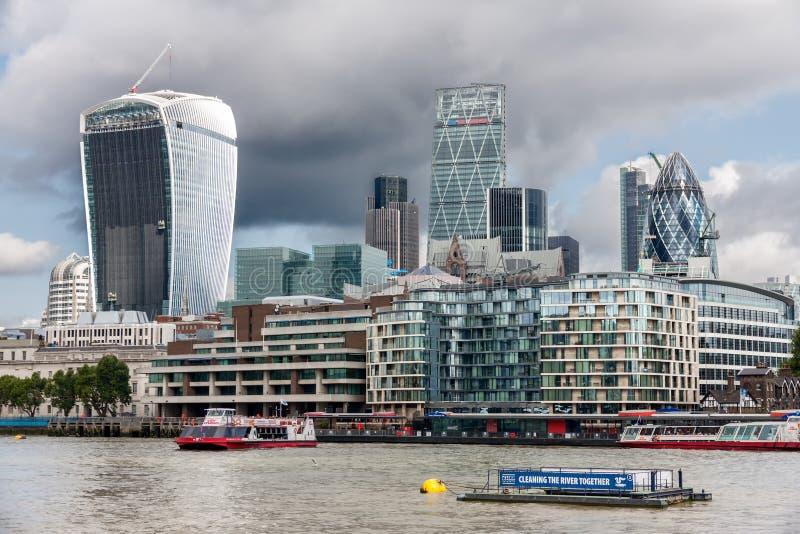 伦敦- 8月6 :2014年8月6日的伦敦市在伦敦 库存图片