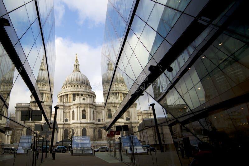 伦敦建筑学, st pauls 免版税图库摄影
