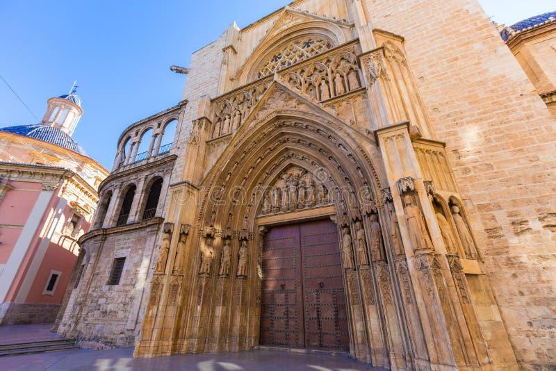巴伦西亚大教堂门 库存照片