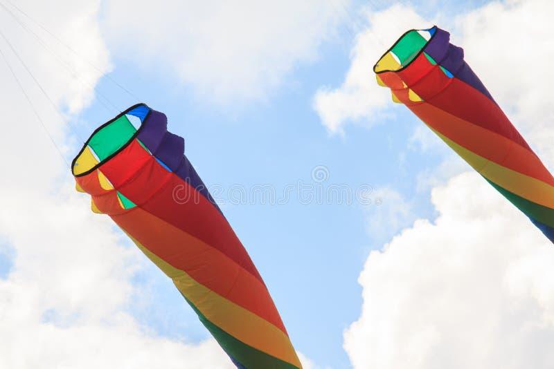 Download 伯克利节日风筝风筝天空 库存图片. 图片 包括有 乐趣, 背包, 休闲, 生活方式, 五颜六色, 飞行, 云彩 - 72361697