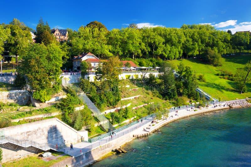 伯尔尼老市中心看法与河Aare,瑞士的 免版税库存图片