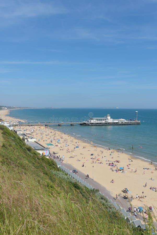 伯恩茅斯海滩和码头 免版税库存照片