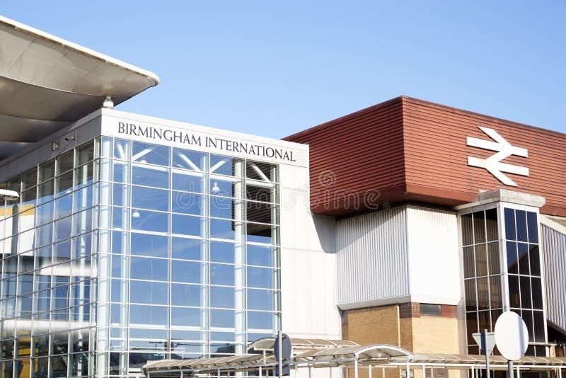 伯明翰,英国- 2016年11月6日:伯明翰国际火车站外部在机场 免版税库存图片