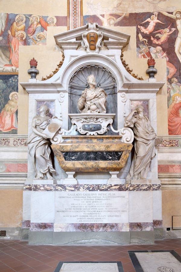 伽利略・伽利莱坟茔三塔Croce大教堂的在佛罗伦萨 免版税库存图片