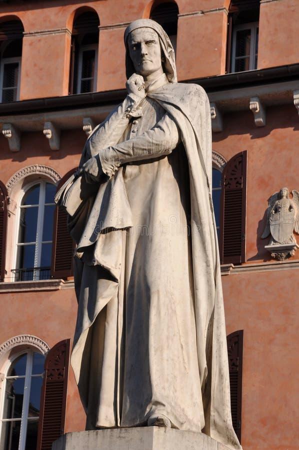 但丁・阿利吉耶里雕象广场dei绅士的在维罗纳威尼托 免版税库存照片