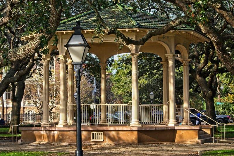 位于白色点庭院的眺望台电池在历史的查尔斯顿南卡罗来纳 免版税库存图片