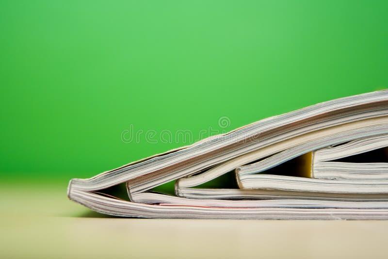 位于的杂志表 库存图片