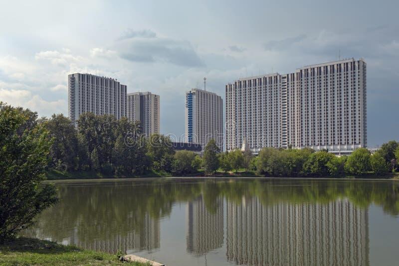 位于莫斯科,俄罗斯Izmaylovo区的建造四的Izmailovo旅馆  库存照片