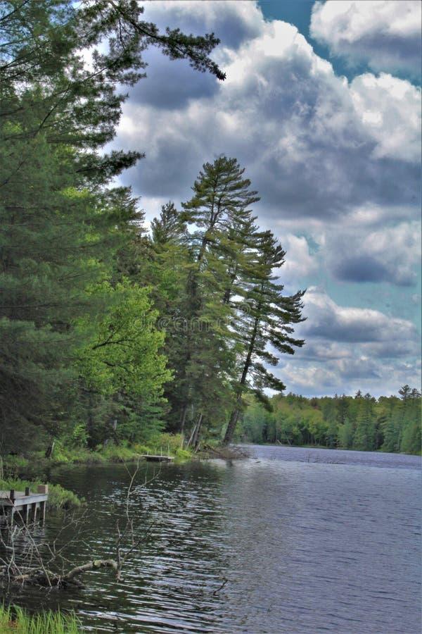 位于Childwold的伦纳德池塘,纽约,美国 库存图片