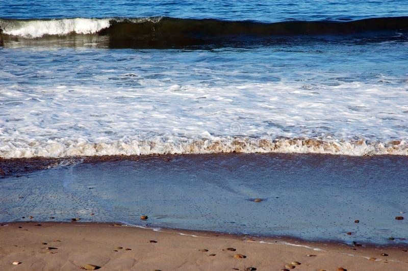 低海浪 库存照片