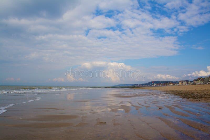 低潮中Trouville的海滩 库存图片