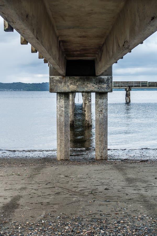 低潮和码头4 免版税图库摄影