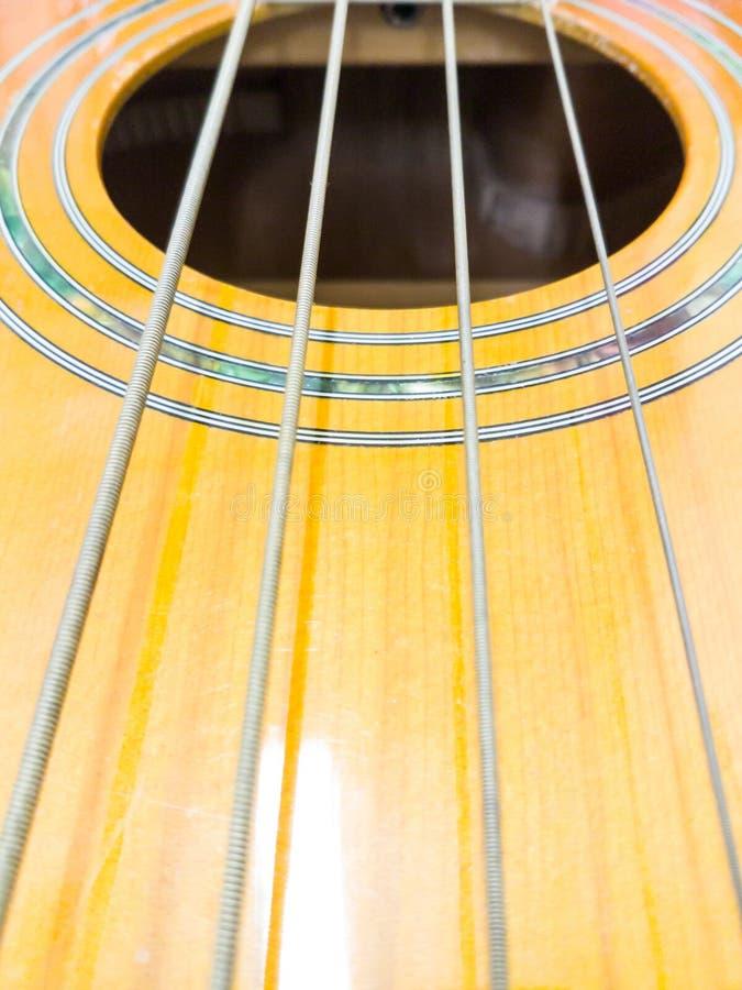 低音吉他,音响的低音 库存照片