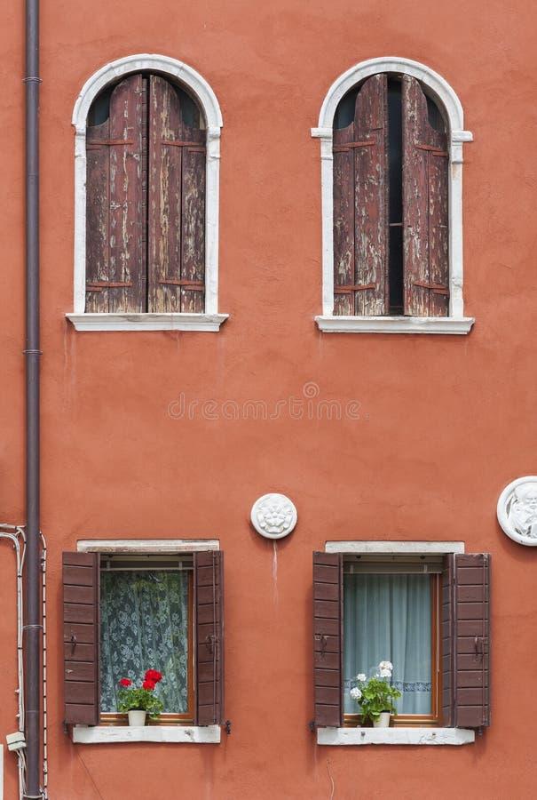 住宅五颜六色的房子 免版税库存图片